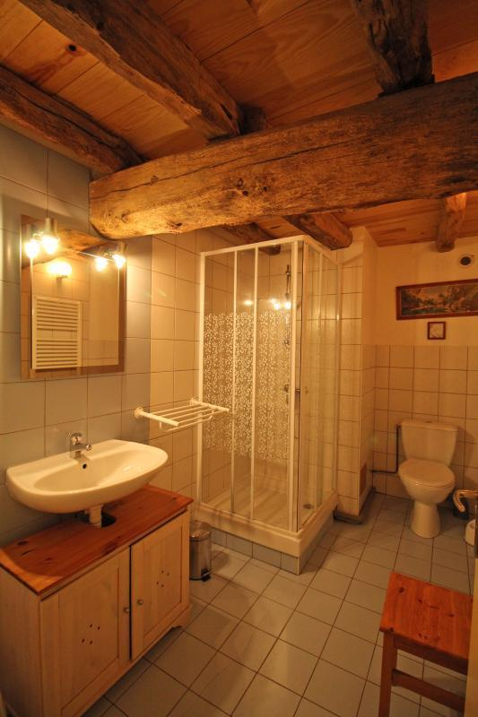 Gite-Lasgorceix-salle-de-bain-suite-cocoon